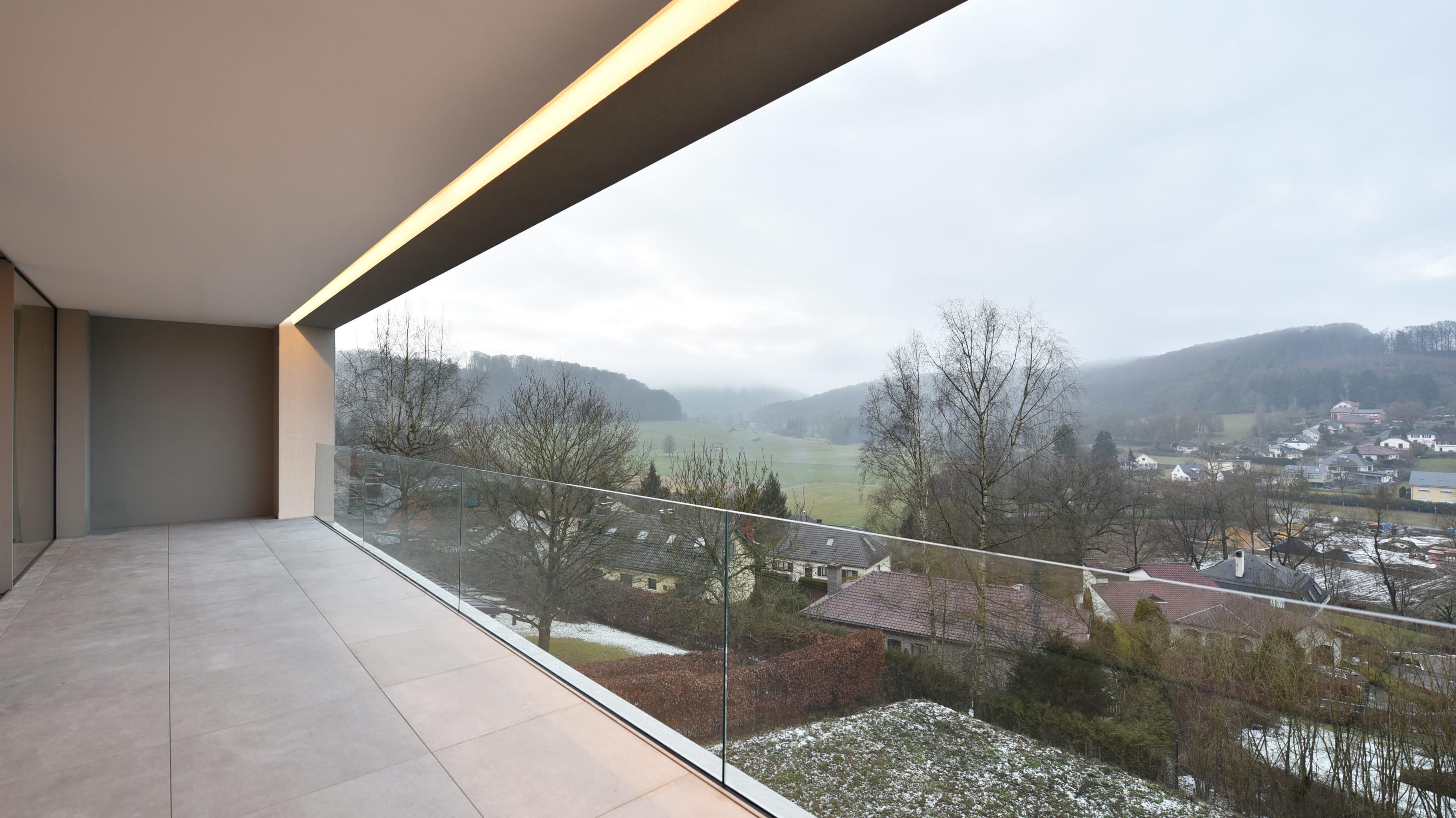036 roodt villa luxe haut standing cfarchitectes luxembourg architecte terrasse paysage d. Black Bedroom Furniture Sets. Home Design Ideas